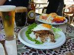 エッグベネディクト&ロコモコ、・・・Beer!
