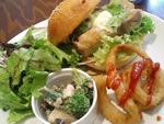 タイ風チキンバーガー