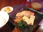 サーモンの西京焼、お味噌汁、漬物付