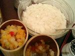 杏仁豆腐とトッピングのフルーツ