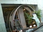 前面ガラス張りのOcean's Cafe Beach